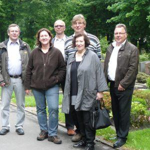 Die Fraktion stattete den Friedhöfen der Gemeinde einen Kontrollbesuch ab